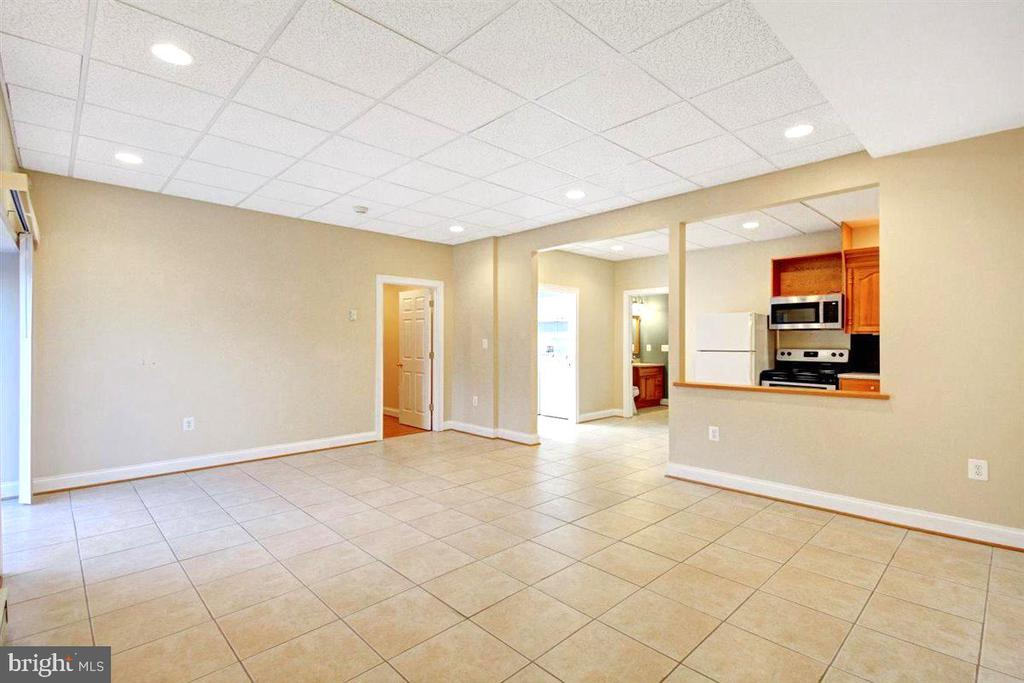 High Ceilings and Recessed Lighting - 14515 SHIRLEY BOHN RD, MOUNT AIRY