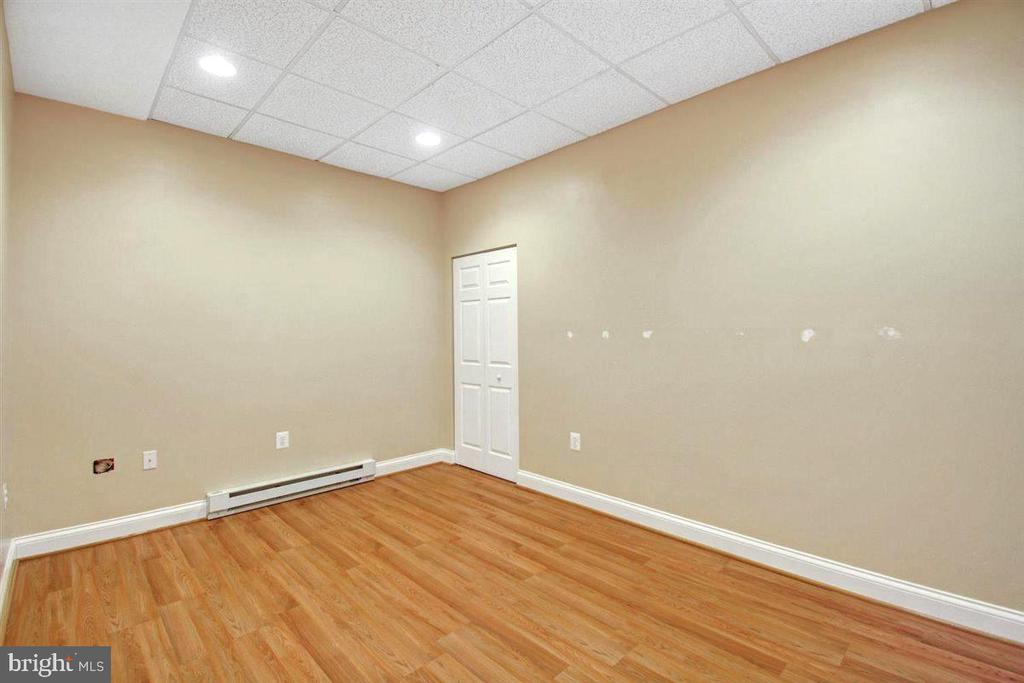Apartment Bedroom - 14515 SHIRLEY BOHN RD, MOUNT AIRY