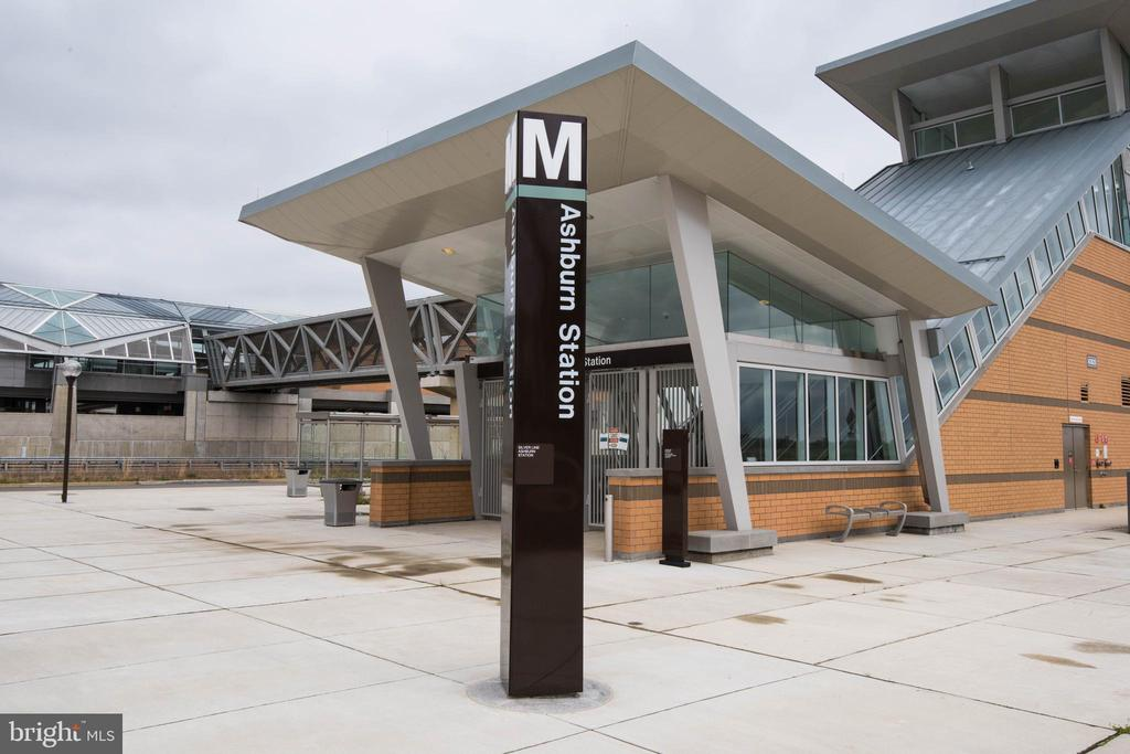 Metro Station1 - 22525 WILLINGTON SQ, ASHBURN