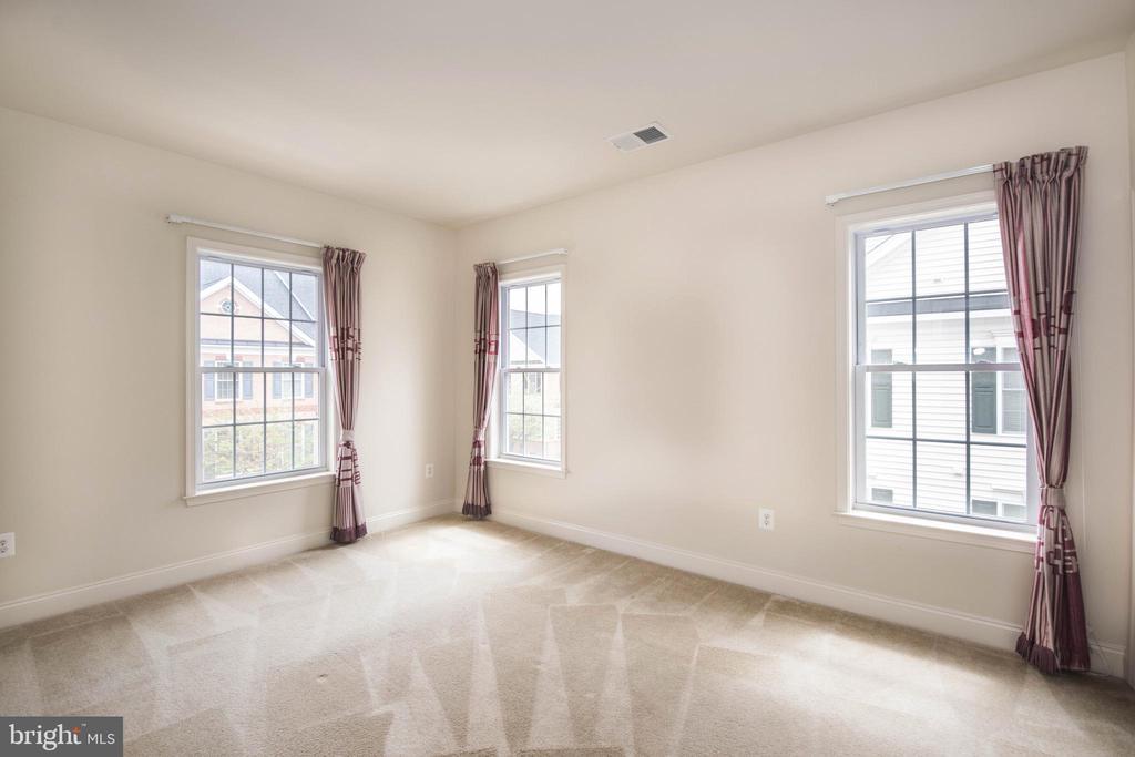 Bedroom 1-1 - 22525 WILLINGTON SQ, ASHBURN
