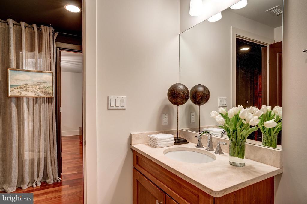 Full Bathroom Off Foyer Hallway - 1615 N QUEEN ST #M303, ARLINGTON