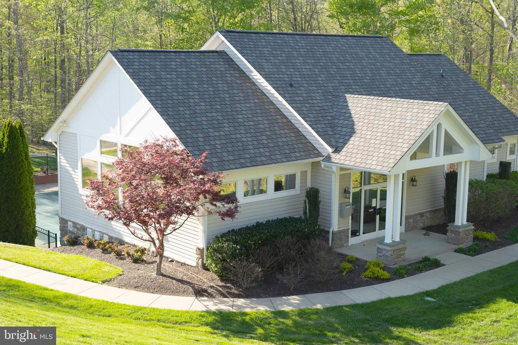 The community club house and pool. - 6 BULLRUSH CT, STAFFORD