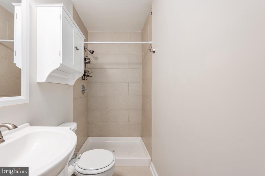 Primary bathroom/en-suite - 330 TULIP CIR, FREDERICKSBURG