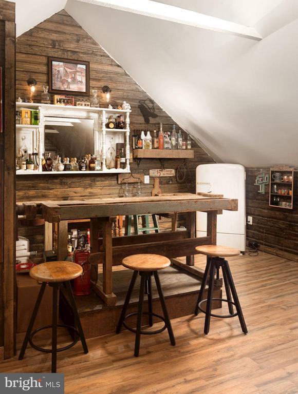 Custom Bar in Jack's Barn - 20857 ASHBURN RD, ASHBURN