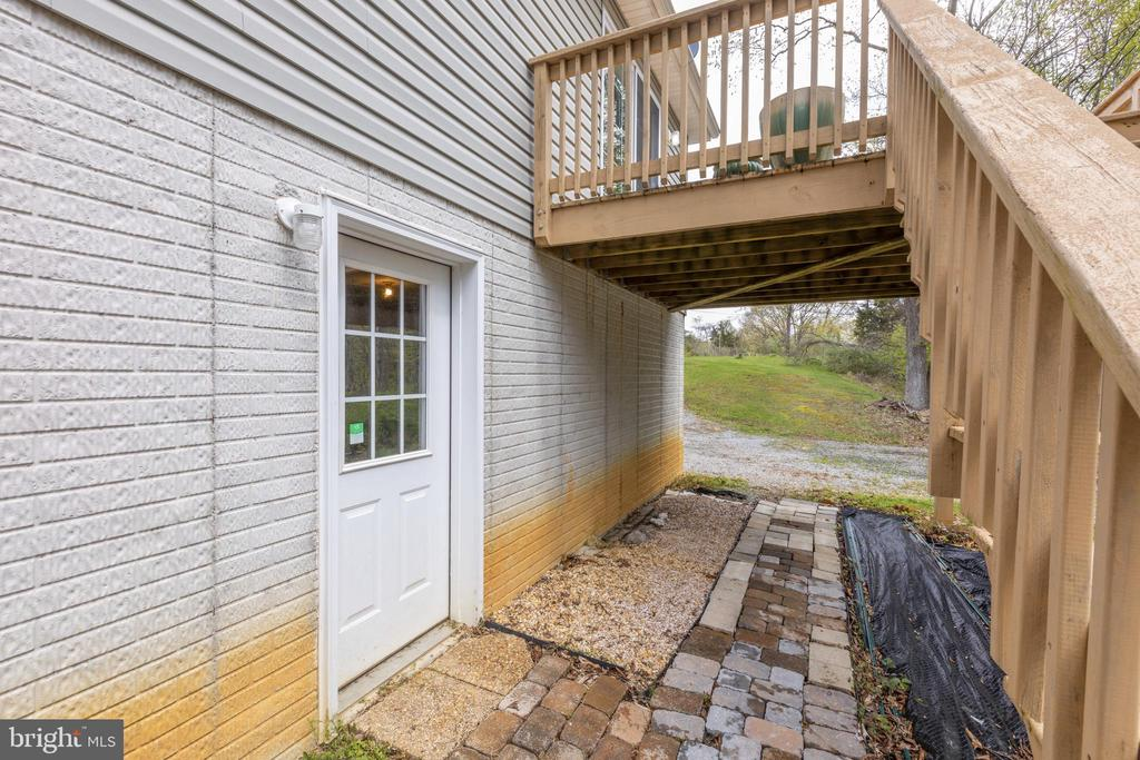 - 2363 MORGANS MILL RD, BLUEMONT