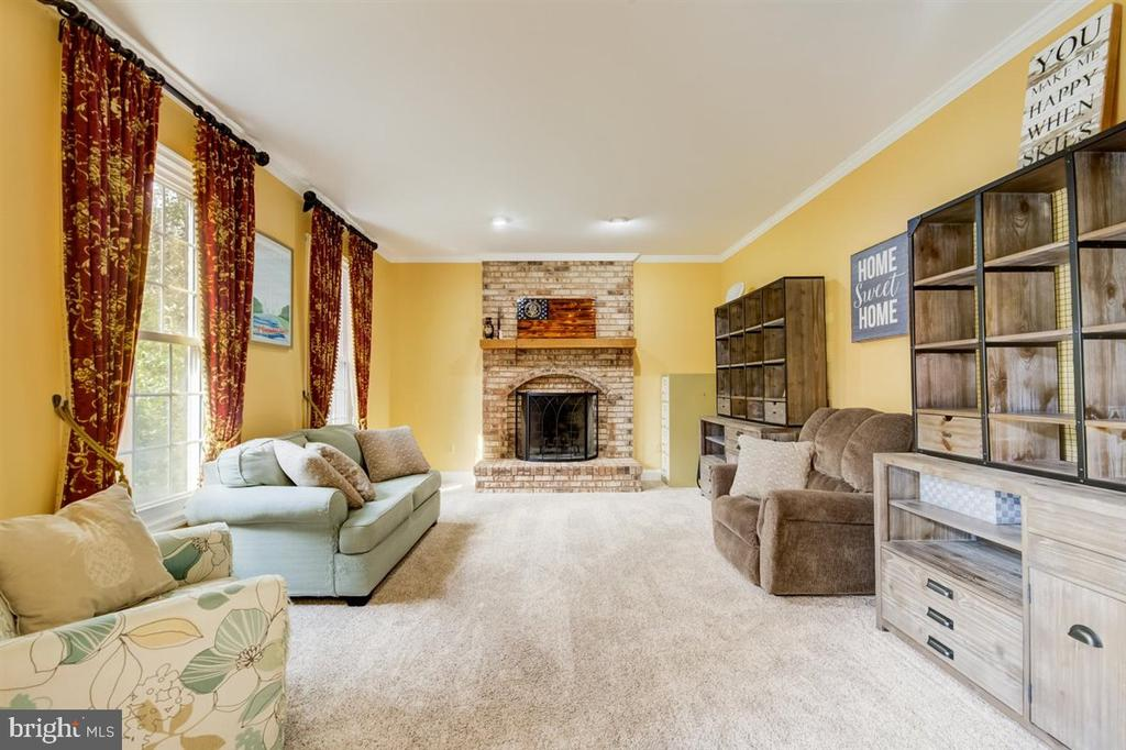 Here is the formal living room. - 8900 MAGNOLIA RIDGE RD, FAIRFAX STATION