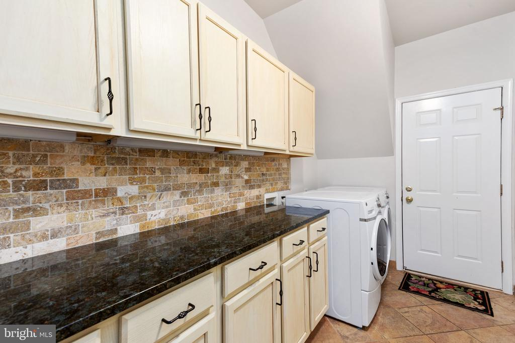 Laundry Room with Cabinets and Granite Tops - 20003 SHADOW CREEK CT, ASHBURN