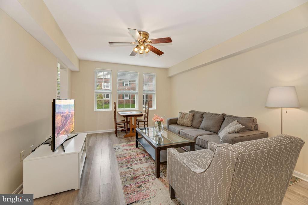 New flooring - 1816 QUEENS LN #4-222, ARLINGTON