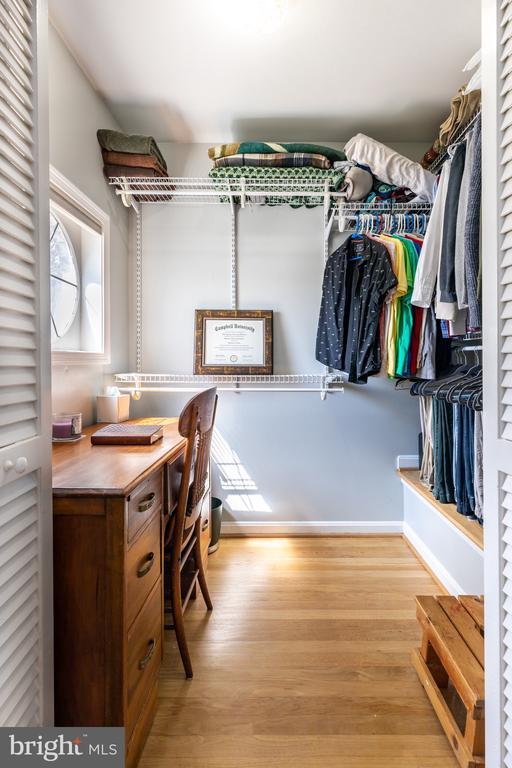 Master Walk-In Closet - 2309 N SIBLEY ST, ALEXANDRIA