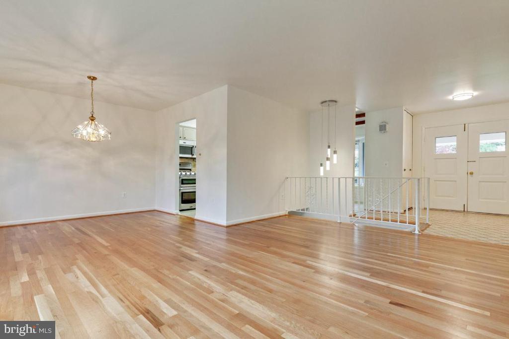 2021 refinished hardwood floors - 5041 KING RICHARD DR, ANNANDALE