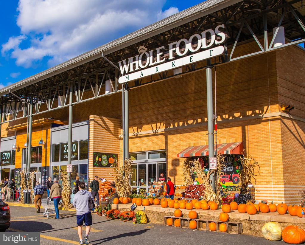 Community: Whole Foods - 1201 N GARFIELD ST #114, ARLINGTON