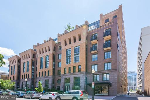 910 M ST NW #418