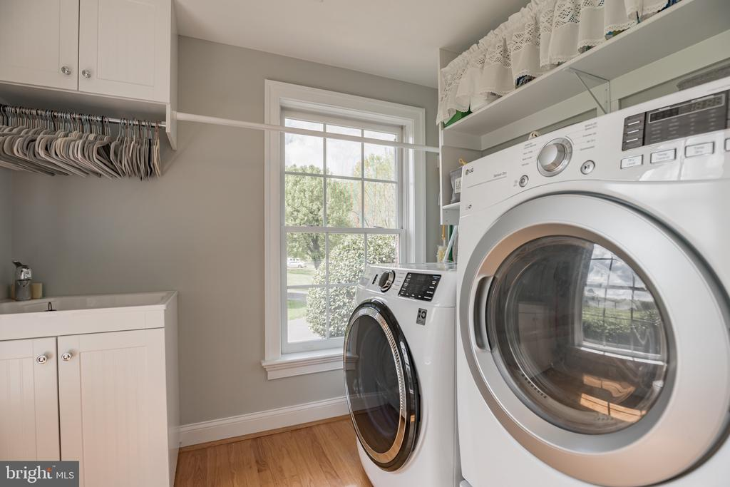 Mudroom/Laundry Room on Main Level - 12620 CHEWNING LN, FREDERICKSBURG