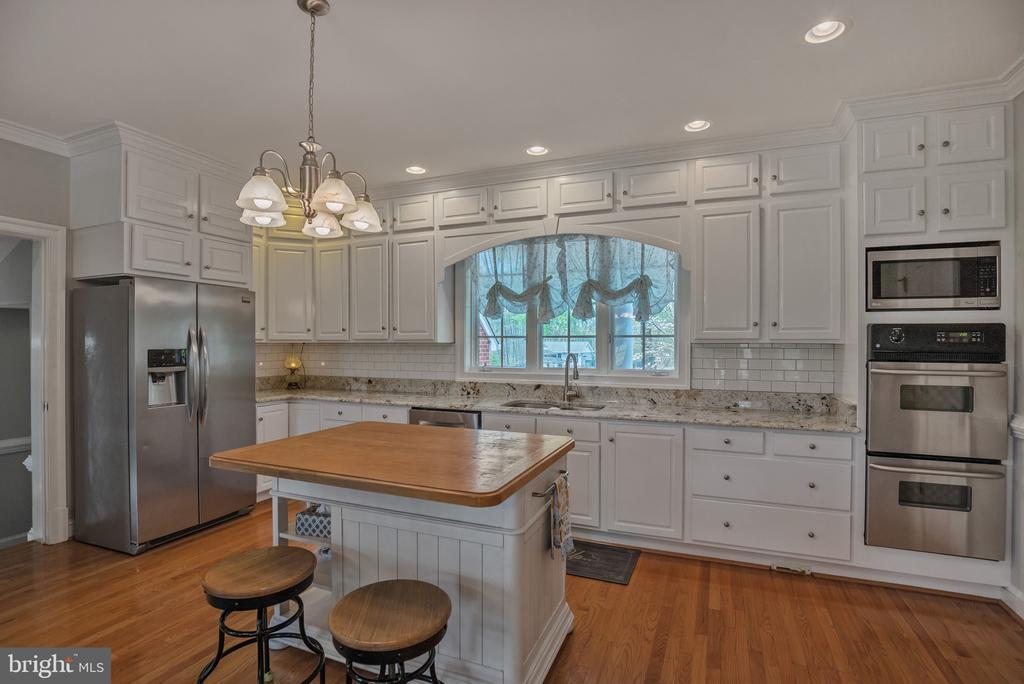 All up to date Stainless Steel Appliances - 12620 CHEWNING LN, FREDERICKSBURG