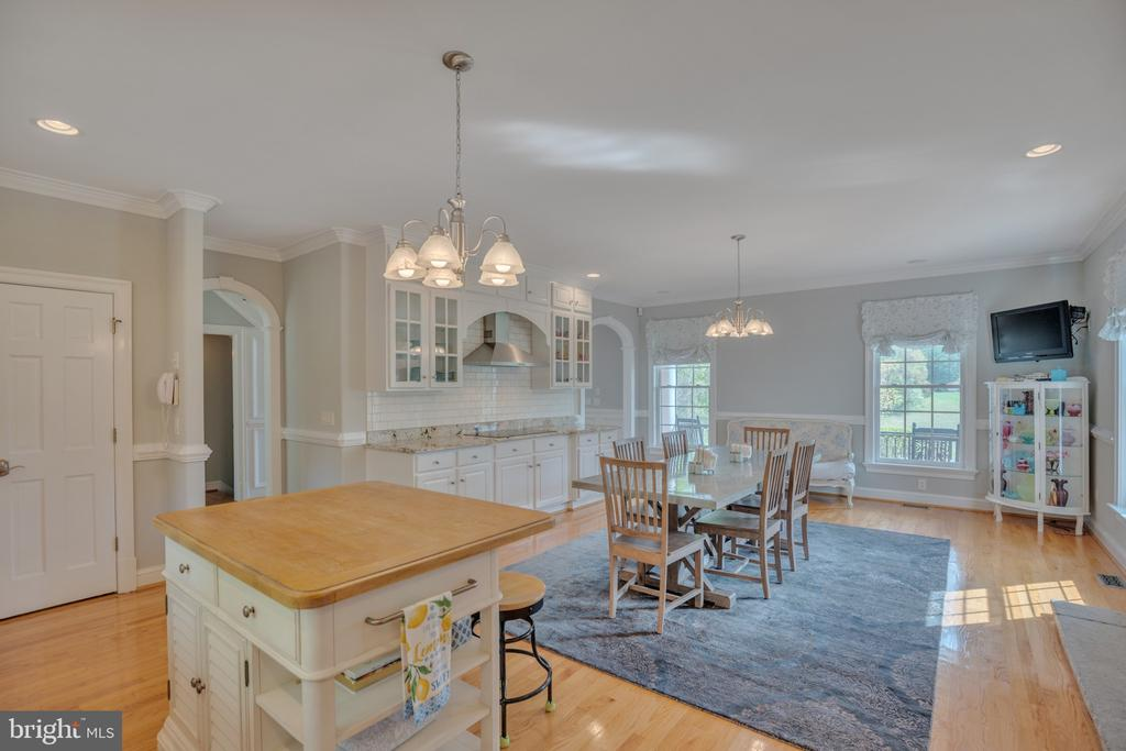 A joy to cook in here - 12620 CHEWNING LN, FREDERICKSBURG