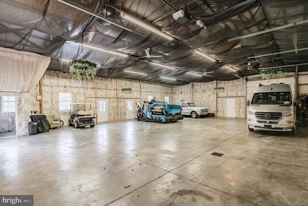 Plenty of room for Vehicles & RV - 12620 CHEWNING LN, FREDERICKSBURG