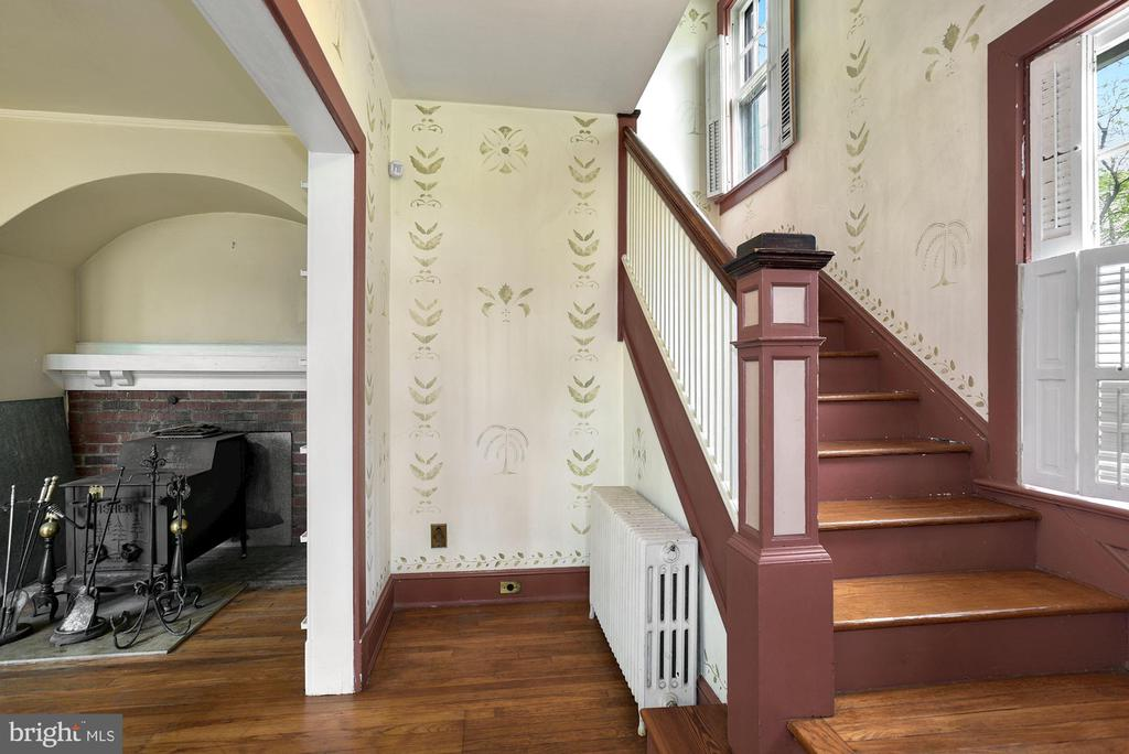 Foyer - 415 S MAPLE AVE, PURCELLVILLE