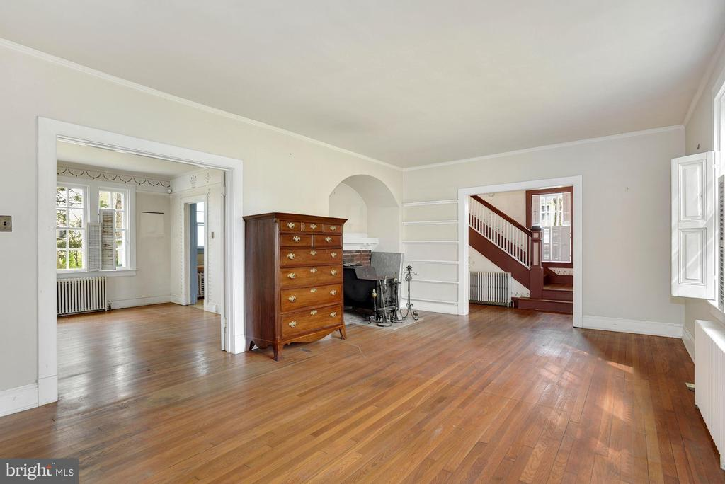 Living Room and Dining Room - 415 S MAPLE AVE, PURCELLVILLE