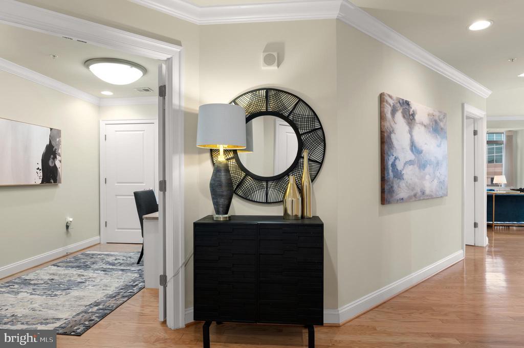 Foyer and Den - 3625 10TH ST N #903, ARLINGTON