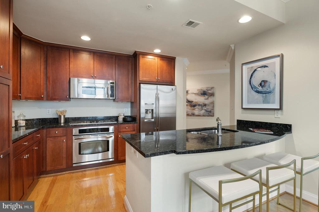 Kitchen with Counter Space - 3625 10TH ST N #903, ARLINGTON