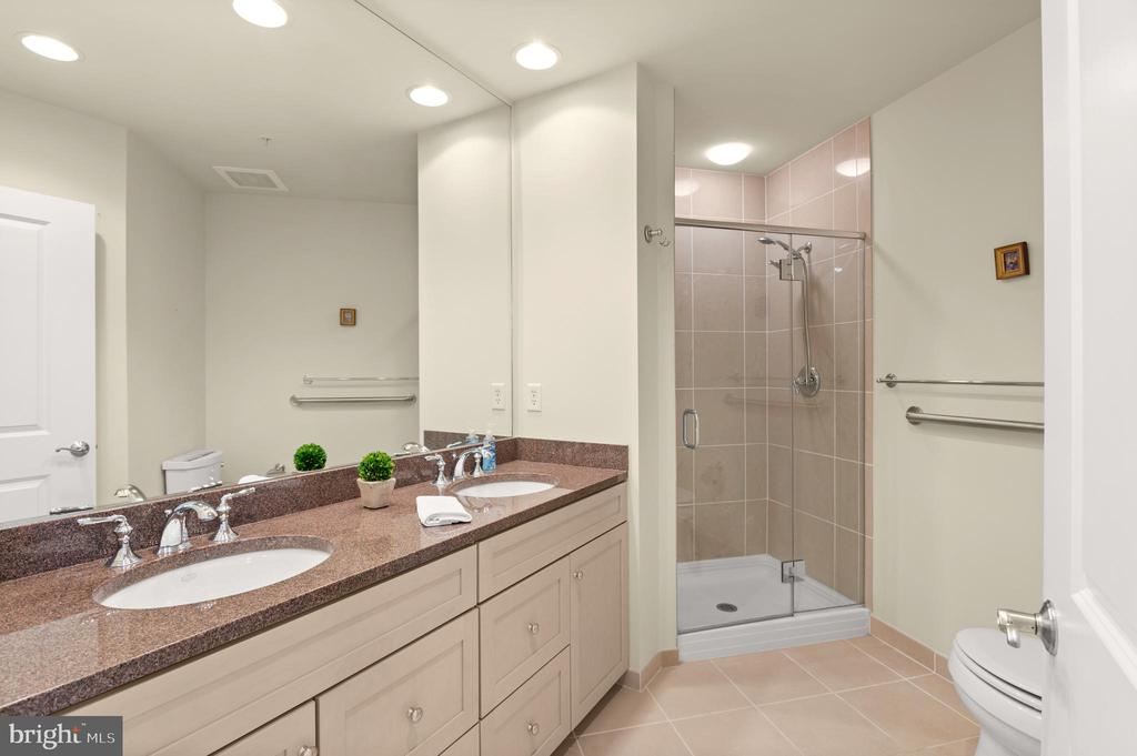 Full Bathroom #2 - 3625 10TH ST N #903, ARLINGTON
