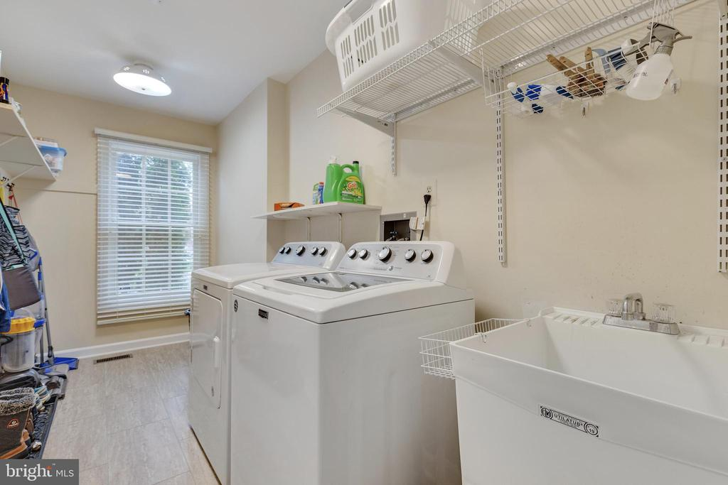 Laundry Room has Utility Sink - 16644 CAXTON PL, DUMFRIES