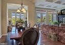 Windows galore: Light, bright and Open Floorplan - 18362 FAIRWAY OAKS SQ, LEESBURG