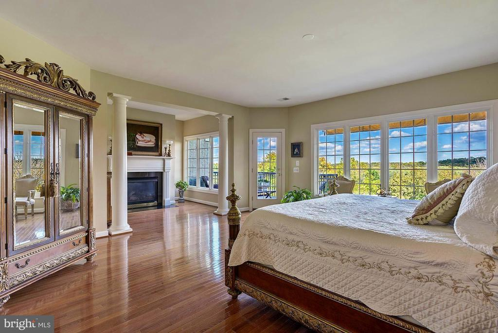 Love your  Million Dollar view every Morning! - 18362 FAIRWAY OAKS SQ, LEESBURG