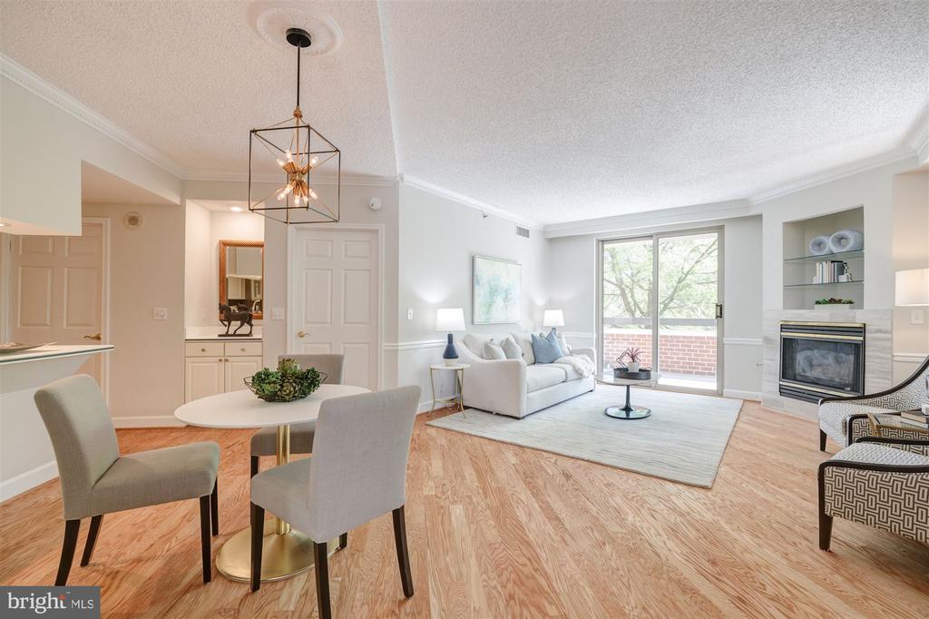 Dining Room /Living Room - 1276 N WAYNE ST #130, ARLINGTON