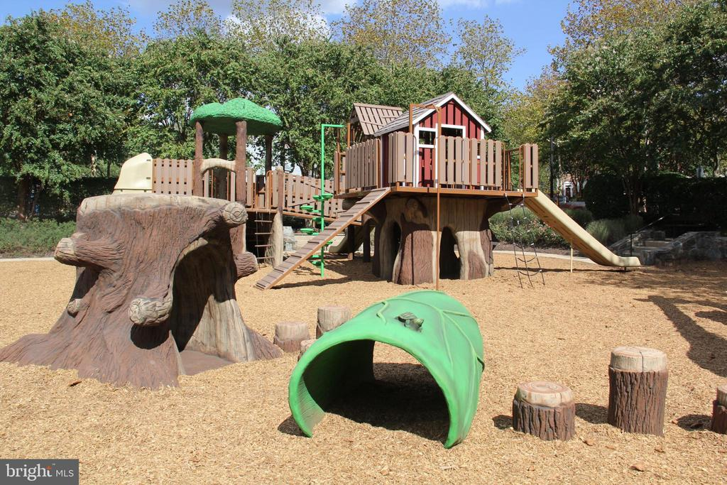 Numerous renovated playgrounds & tot lots - 25532 GOVER DR, CHANTILLY