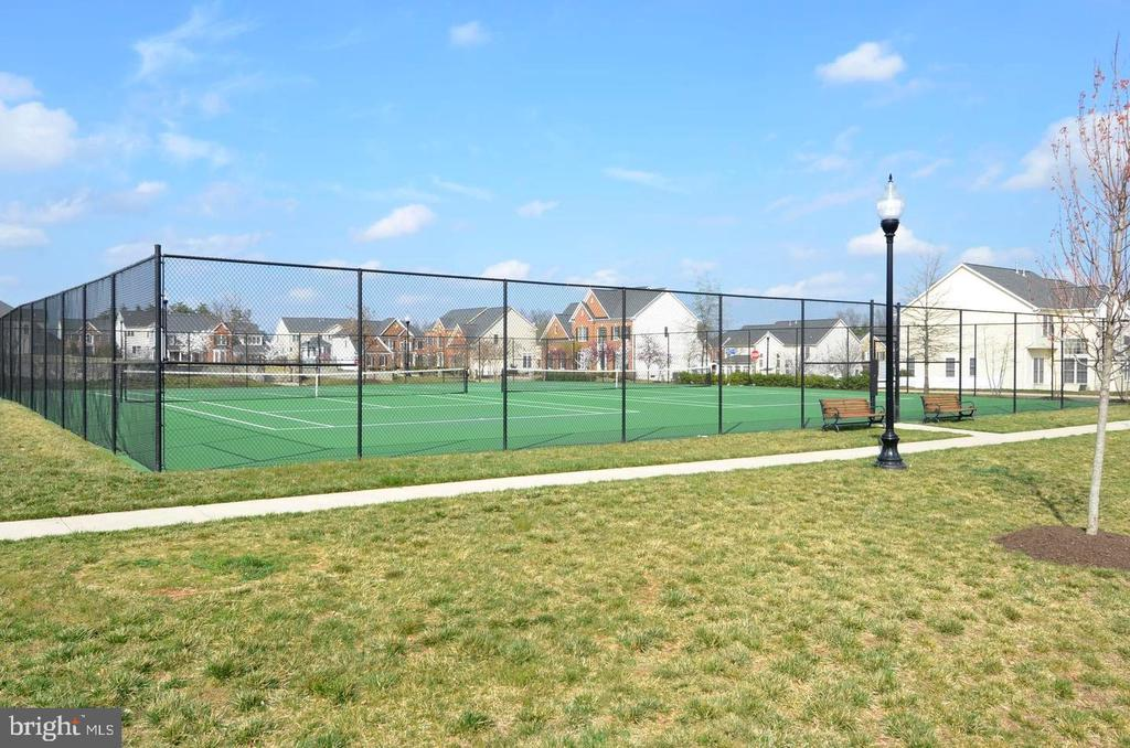 Tennis courts - 25532 GOVER DR, CHANTILLY