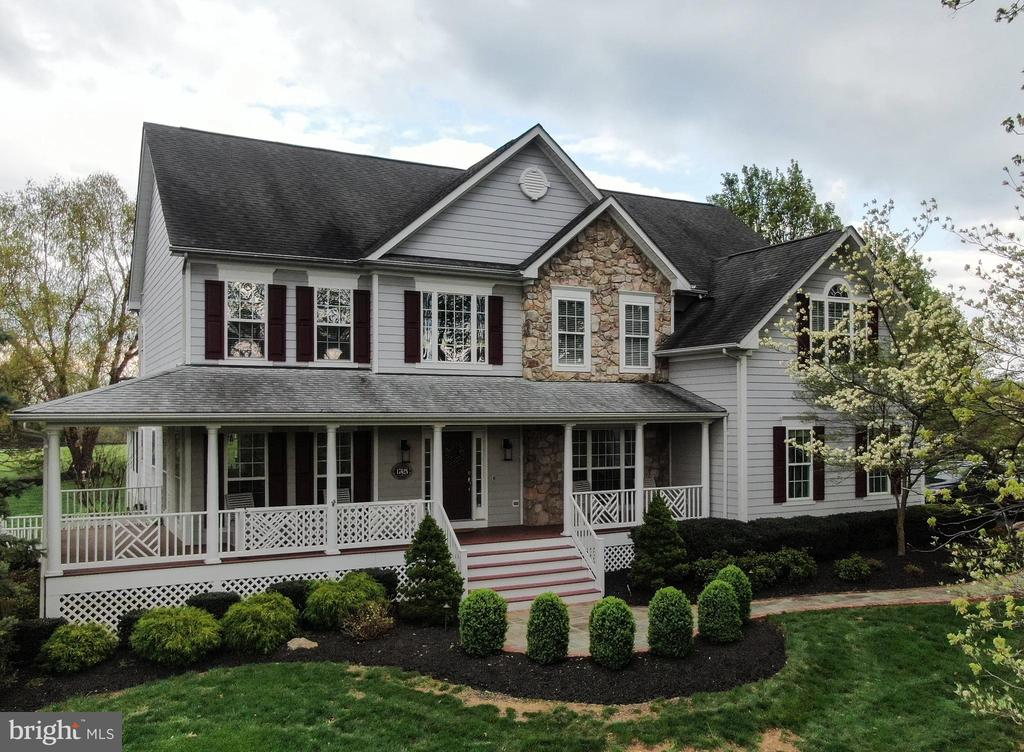 Spectacular custom home in Orchards at Round Hill! - 17628 STONEGAIT CT, ROUND HILL