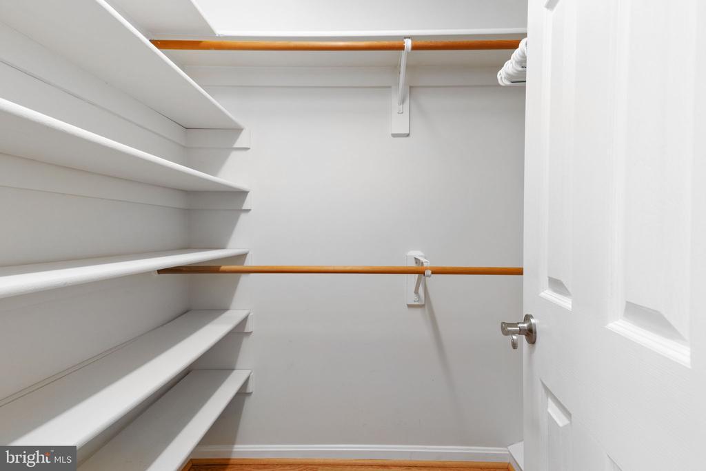 Second Bedroom with Walk-in Closet - 2405 OAKMONT CT, OAKTON