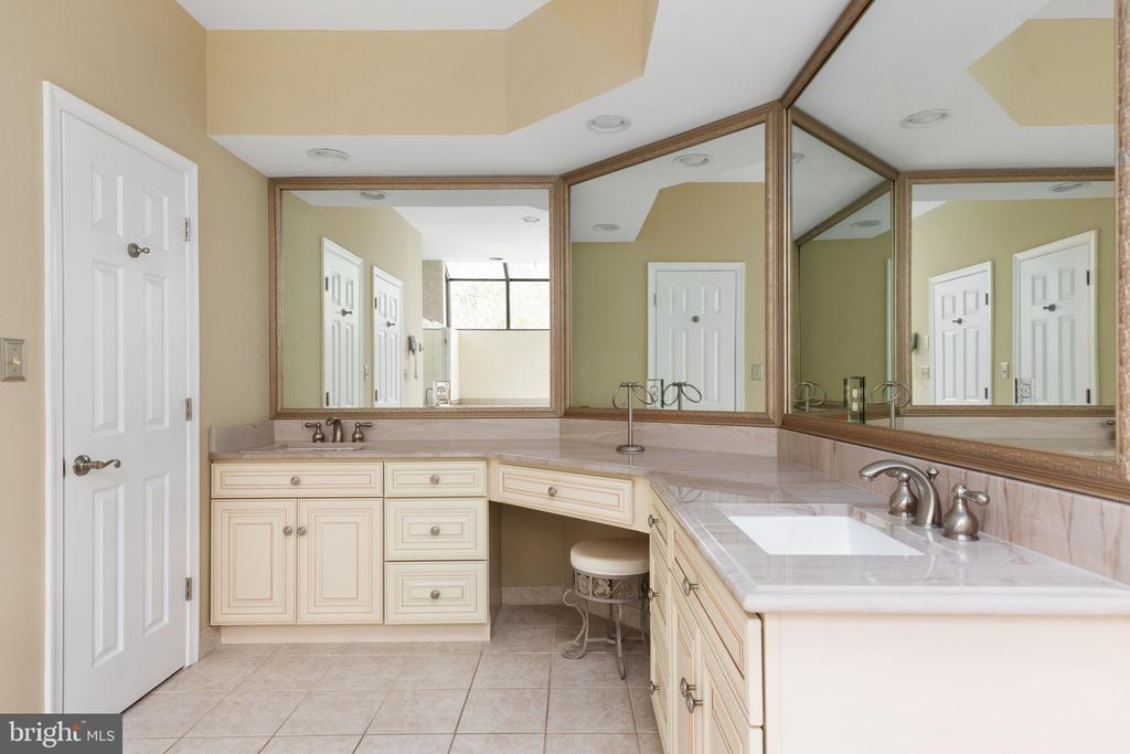 Primary Bath with Dual Sinks & Marble Counters - 2405 OAKMONT CT, OAKTON