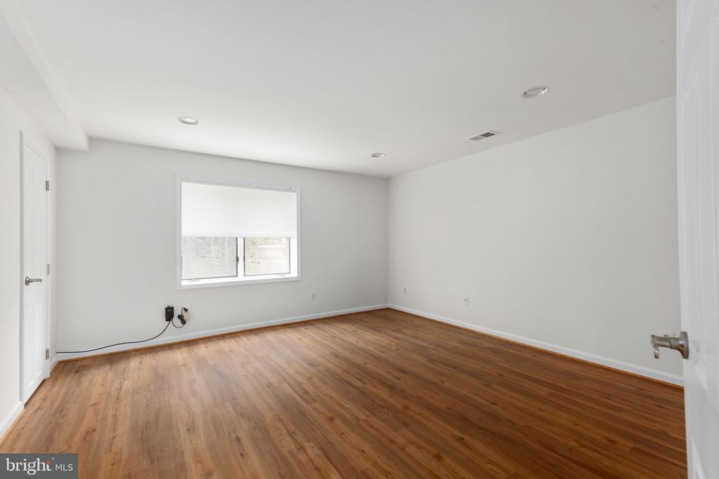 Fifth Bedroom with Walk-In Closet - 2405 OAKMONT CT, OAKTON