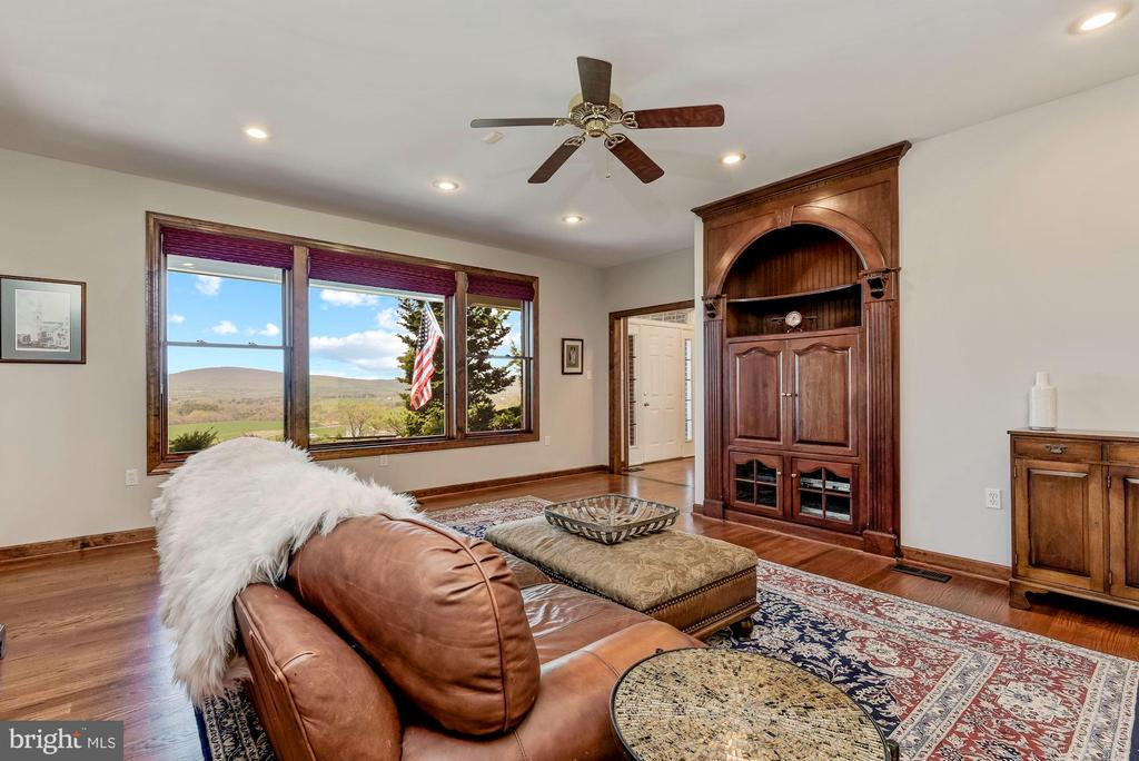 Amazing Views of Middletown Valley - 8329 MYERSVILLE RD, MIDDLETOWN