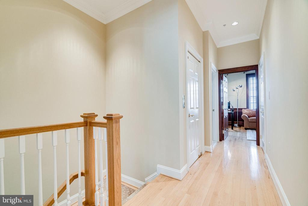 Hallway to office/bedrooms - 1315 14TH ST N, ARLINGTON