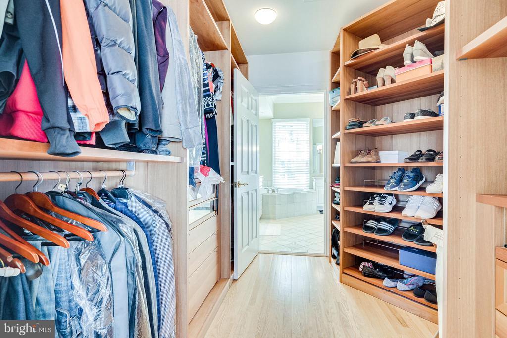 Custom closet system - 1315 14TH ST N, ARLINGTON