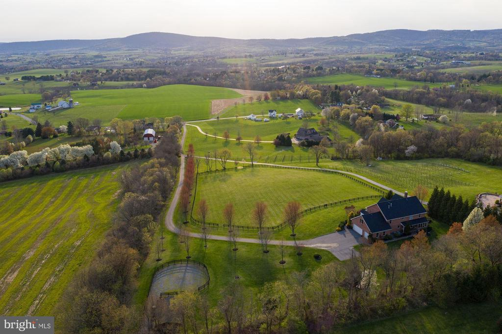 Majestic Views of Middletown Valley - 8329 MYERSVILLE RD, MIDDLETOWN