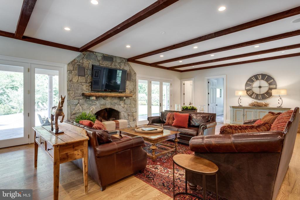 Family Room w/ wood burning fireplace - 815 BLACKS HILL RD, GREAT FALLS