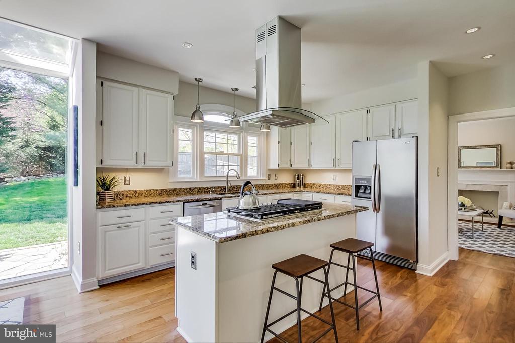 Stainless Steel Appliances & Granite Countertops - 12600 HOMEWOOD WAY, FAIRFAX