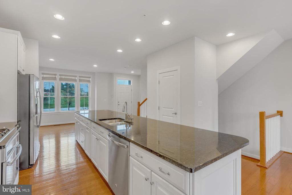 Open kitchen with expansive island - 11357 RIDGELINE RD, FAIRFAX