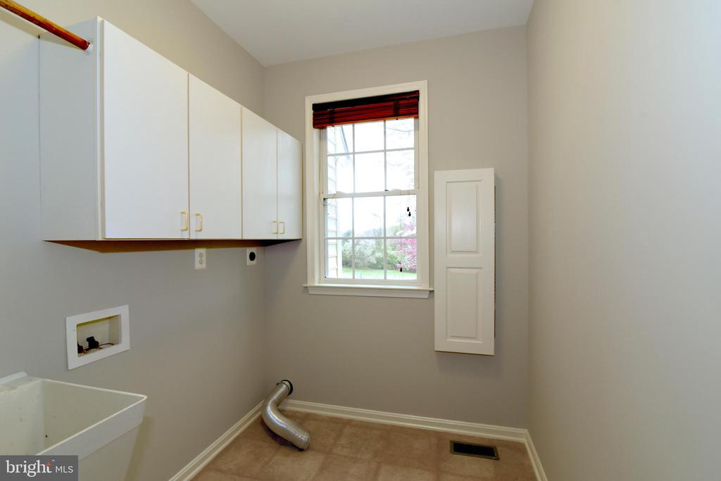 Laundry Room - 16820 CLARKES GAP RD, PAEONIAN SPRINGS