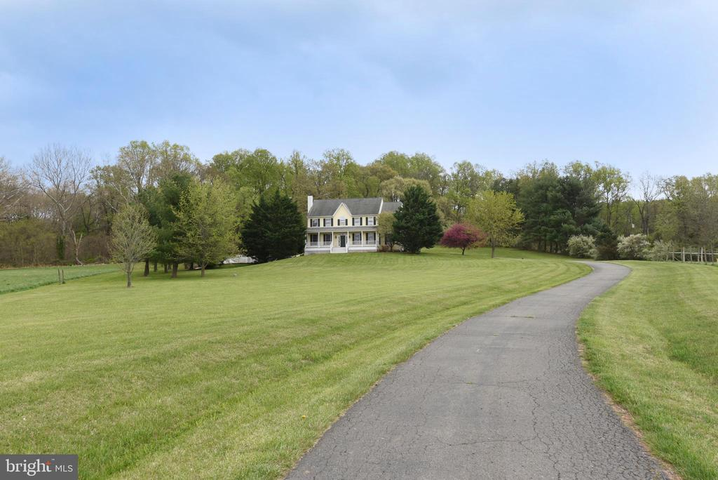 View of house from the Road - 16820 CLARKES GAP RD, PAEONIAN SPRINGS