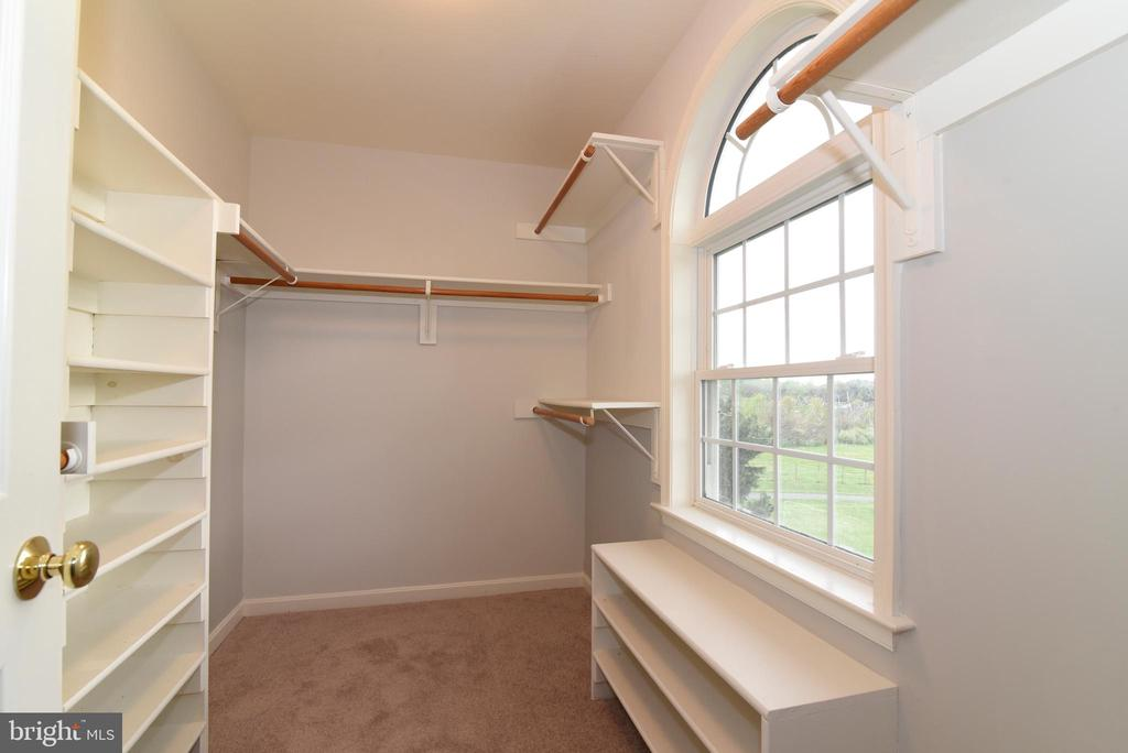 Master Bedroom Closet - 16820 CLARKES GAP RD, PAEONIAN SPRINGS