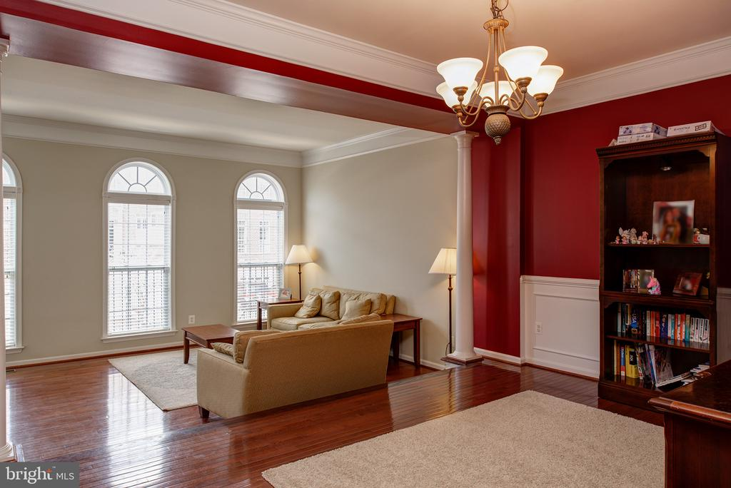 Living Room - 22028 AVONWORTH SQ, BROADLANDS