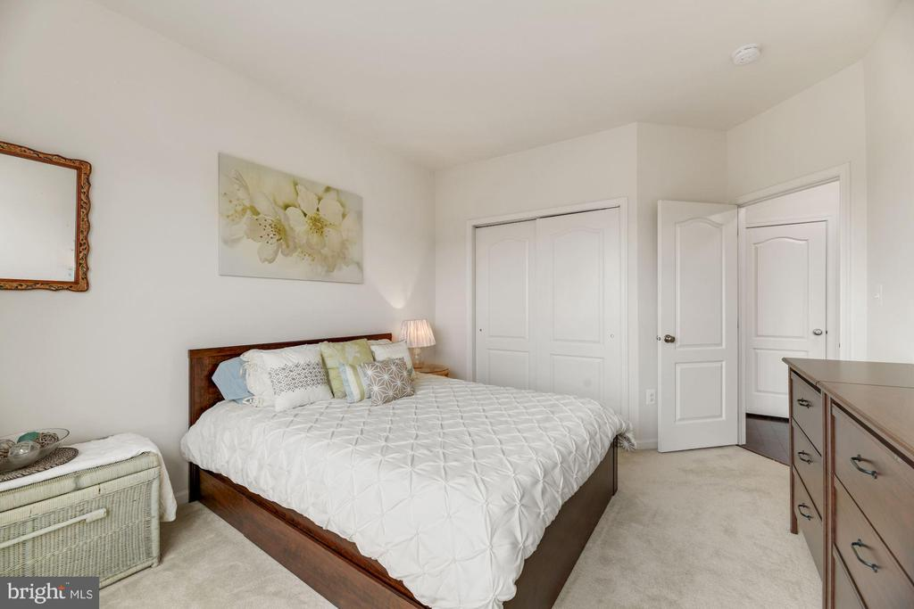 Bedroom #2 - Quite Spacious, Light, Bright, & Airy - 43213 THOROUGHFARE GAP TER, ASHBURN