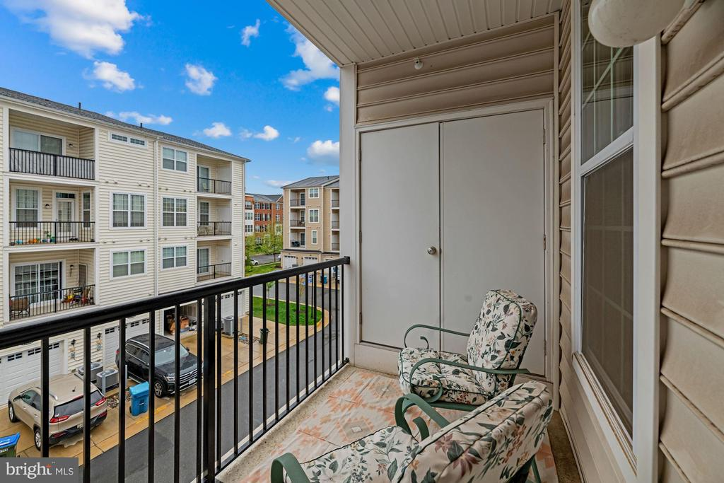 1 of 2 Covered Balconies This Home Features! - 43213 THOROUGHFARE GAP TER, ASHBURN