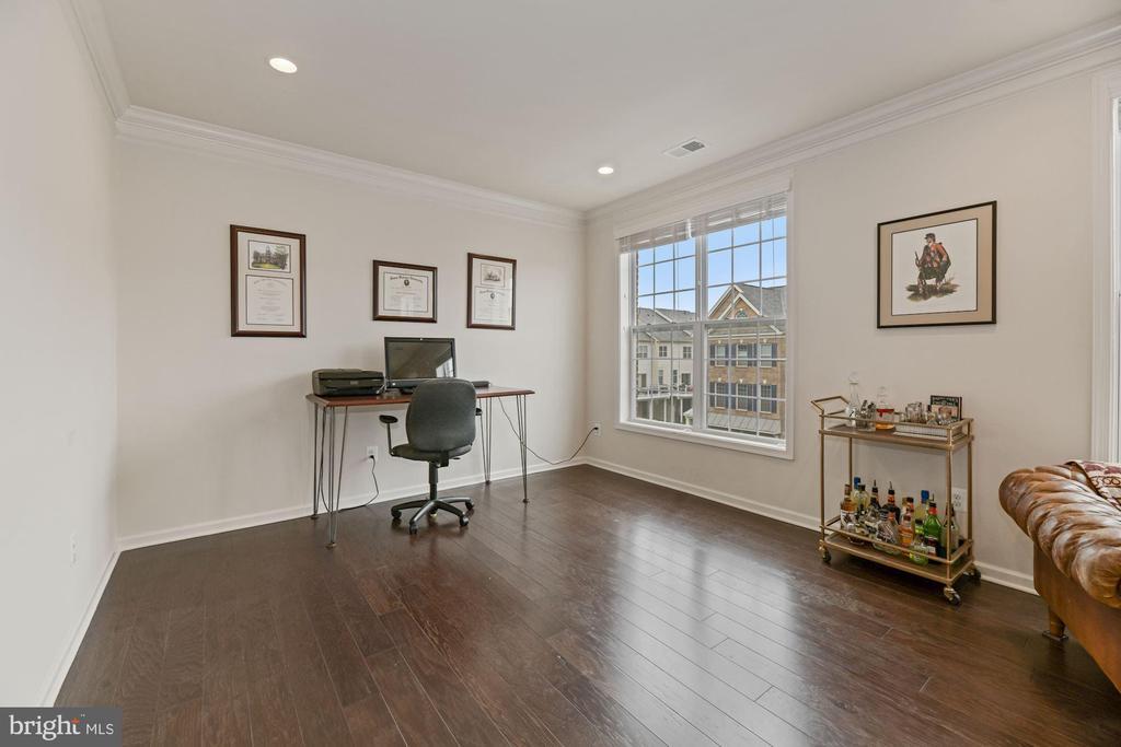 Living Room - Recess Lighting - Bright & Airy! - 43213 THOROUGHFARE GAP TER, ASHBURN
