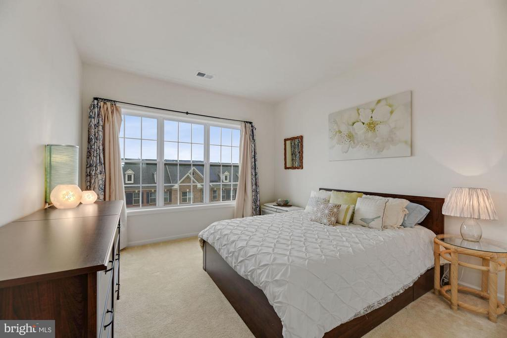 Bedroom #2 - Check Out That Wall of Windows! - 43213 THOROUGHFARE GAP TER, ASHBURN